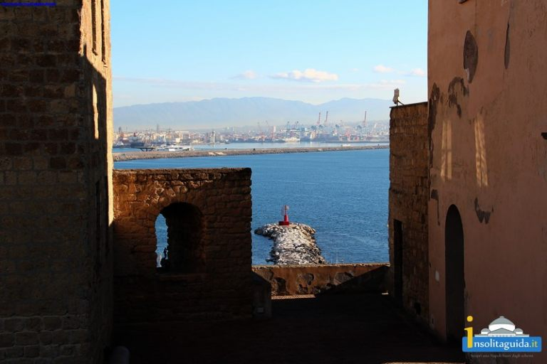 Castel_Dell_Ovo_00124